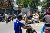 Người phụ nữ bị xe tải kéo lê tử vong thương tâm ở Sài Gòn