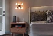 Phòng ngủ sẽ đẹp bội phần nhờ đèn thả trang trí