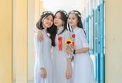 Hai nữ sinh xinh xắn ở Quảng Nam có điểm văn cao nhất nước
