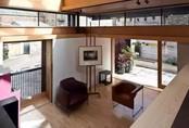 """Ông lão """"dũng cảm"""" phá huỷ ngôi nhà cũ 66m² để thiết kế không gian sống sáng tạo"""