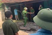 Hà Nội: Khó chịu vì bị bụi bay sang nhà, người đàn ông cầm dao đâm chết hàng xóm