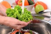 Cách rửa rau giúp loại trừ phần lớn thuốc trừ sâu