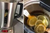 Ấm siêu tốc nấu nước cả năm bám cặn đen sì, đây là cách khiến nó sáng bóng trở lại trong vài phút