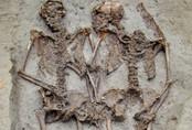 Bộ xương cặp tình nhân nổi tiếng được phát hiện đều là nam