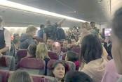 """""""Chuyến bay từ địa ngục"""" khiến hành khách Nga sợ mất hồn"""