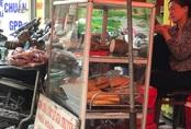 Tiểu thương kinh doanh ế ẩm do giá nhiều mặt hàng 'nhảy múa' tăng theo thịt lợn
