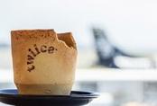 Ly cà phê ăn được có mặt trên chuyến bay của New Zealand