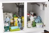 Cách lưu trữ đồ dưới bồn rửa bát cực gọn ghẽ chỉ với 5 bước nhanh - gọn - lẹ