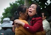 Người thân khóc thương 22 quân nhân Đoàn 337