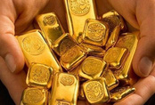 Có 10 lượng vàng, quyết không bán mà vẫn bỏ tiền gom thêm