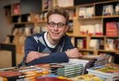 Thiên tài nước Anh sử dụng ngoại ngữ thành thạo sau 7 ngày học