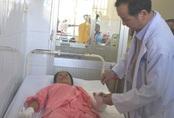 Dùng than sưởi ấm sau sinh, 5 phụ nữ bị bỏng phải nhập viện cấp cứu