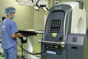 Bệnh viện Việt Đức có máy chụp di chuyển được trong mổ, lượng tia thấp