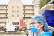 """Bạch Mai xin """"gỡ khó"""" để nhân viên y tế được đến bệnh viện làm việc"""