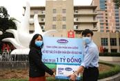 """Vinamilk """"cấp tốc chi viện"""" gần 150 ngàn sản phẩm sữa dinh dưỡng cho bệnh viện Bạch Mai trong giai đoạn cách ly vì dịch bệnh"""
