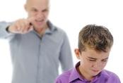 Bạo lực ngôn ngữ làm thay đổi cấu trúc não trẻ