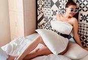 Sao Việt đua nhau dùng biến gối ngủ thành váy sexy