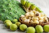 Hạt sen quê đầu mùa vừa thơm vừa bở giá chỉ 150 ngàn đồng/kg, bà nội trợ đặt mua nấu chè, làm sữa hạt, tiểu thương gom đơn ship liên tục