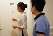 Bí mật đằng sau việc nhân viên khách sạn gõ cửa, xưng danh dù biết đó là phòng trống sẽ khiến bạn rùng mình