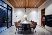 Chàng trai Hà Nội xây nhà đẹp báo hiếu bố mẹ, chỉ luôn cách tận dụng ánh sáng tự nhiên chẳng tốn tiền điện