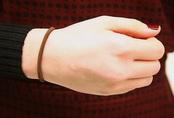 Chị em đừng bao giờ đeo dây chun buộc tóc ở cổ tay: Lý do thì có nhiều nhưng đây là 2 lý do ảnh hưởng trực tiếp đến tính mạng