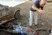 Đằng sau khoảnh khắc giải cứu người đàn ông từ đống đổ nát ở Beirut