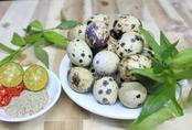 Hết ngại luộc và bóc vỏ trứng cút vì có 2 cách cực đơn giản dưới đây giúp trứng vừa nhanh chín vừa tự  bong vỏ.