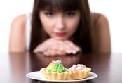 Ăn nhiều đường khiến bạn nhanh già ngang với hút thuốc lá, nếu cơ thể xuất hiện 5 dấu hiệu này thì cần xem lại ngay những gì bạn hay ăn