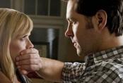 Nhờ chồng trông con để đi lấy tiền thai sản, khi trở về tôi bật khóc với cảnh tượng trong phòng khách rồi kiên quyết nói ly hôn