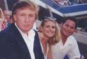 Cựu người mẫu tố cáo ông Trump sờ khắp người