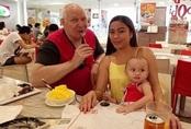 23 tuổi lấy cụ ông về hưu, 4 năm sau cô gái khóc mếu tiết lộ đời sống hôn nhân