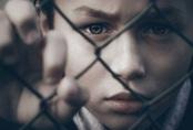"""Từ vụ bé 7 tuổi xin được """"chết"""" vì bố mẹ bạo hành, nhận diện những hành vi của nhiều bố mẹ đang khiến con cái khổ sở mà không biết"""