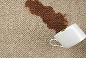 """Mẹo vệ sinh thảm trải sàn không cần máy hút bụi """"nhanh gọn"""" cho người lười"""