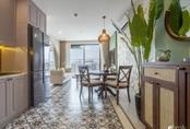 Căn hộ 74m² đẹp mê mẩn với từng góc nhỏ mang hơi thở Sài Gòn xưa ở thủ đô Hà Nội