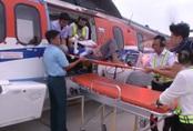 Trực thăng cứu hộ vượt biển cứu ngư dân bị đột quỵ
