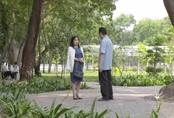 """Trói buộc yêu thương tập 6: Ở nhà toàn bắt nạt các con nhưng ra đường cứ gặp thầy giáo Phong là bà Lan """"tắt điện"""""""