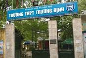 Nam sinh lớp 10 trường THPT Trương Định có phụ huynh từ chối đóng quỹ lớp 700.000 đồng đã thoải mái học tập trở lại