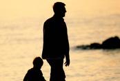 """Chồng làm đơn đề nghị xét nghiệm quan hệ huyết thống giữa vợ và con gái chỉ vì một """"nhầm lẫn"""" nho nhỏ trong quá khứ"""