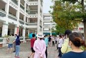 Học sinh đi học trong giai đoạn nắng nóng đỉnh điểm nhất năm, nhiều trường điều chỉnh quy định và thời gian học