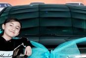 Bé trai 12 tuổi tự kiếm tiền mua xe hơi, cha mẹ bị chỉ trích