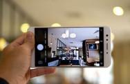 5 smartphone tầm trung chụp ảnh tốt nhất hiện nay