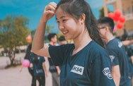 Cô gái 18 tuổi chân trần, mặt mộc khiến Hoa hậu Thu Thủy nhớ về thời qua khứ