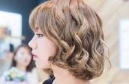 Những bạn gái có gương mặt tròn muốn xinh đẹp thì không thể bỏ qua kiểu tóc này