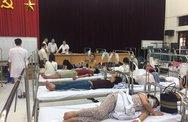 """Hà Nội: """"Báo động đỏ"""" sốt xuất huyết, có gia đình vẫn không cho phun thuốc diệt muỗi"""