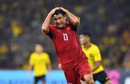 Trang Trần lên tiếng cực gắt về những fan cuồng 'ném đá' Đức Chinh sau nhiều bàn thắng hụt với Malaysia