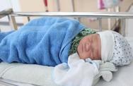 """Hà Nội: Hai bé sơ sinh bị mẹ bỏ rơi tại bệnh viện đã khỏe mạnh, nhiều """"mẹ"""" muốn xin con về nuôi"""