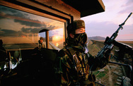 Hàn - Triều bắt đầu dỡ bỏ các trạm gác quân sự dọc biên giới