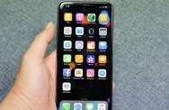 Mở hộp iPhone Xs Max đầu tiên tại Việt Nam