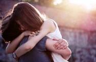 Đàn ông ngoại tình thường sợ gia đình đổ vỡ, còn đàn bà trong lòng đổ vỡ mới đi ngoại tình