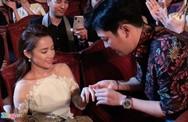 Những màn cầu hôn gây chú ý của sao Việt